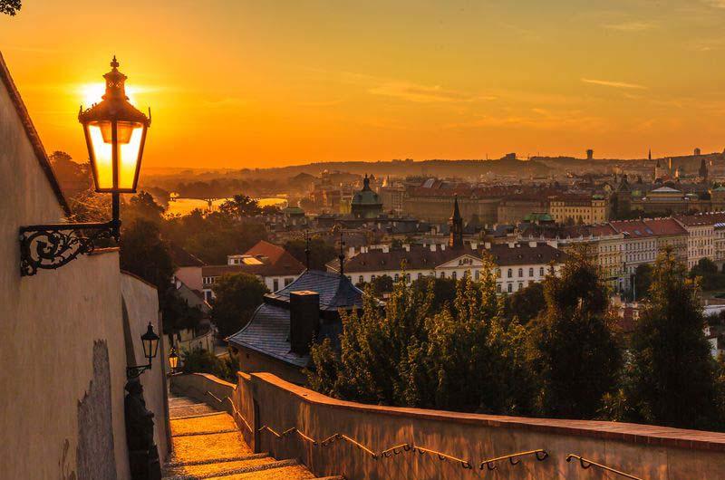 Панорамы вечерней Праги.