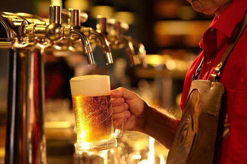 С пивом по Праге.