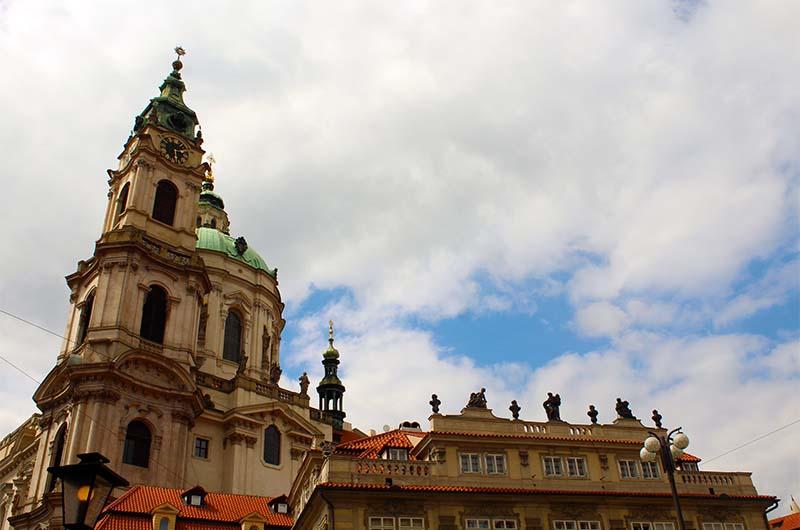 Так выглядит колокольня костёла святого Николая. На ее верху очень хорошая, но платная смотровая площадка.