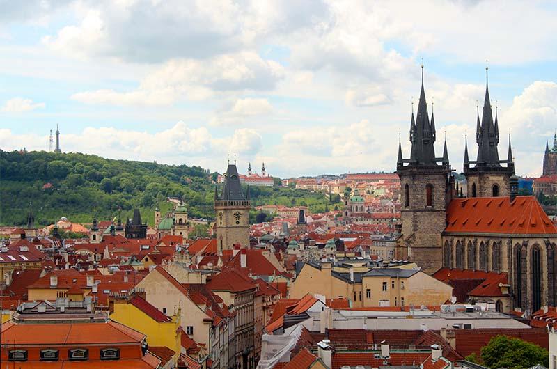 Вид с башни на Старый город.