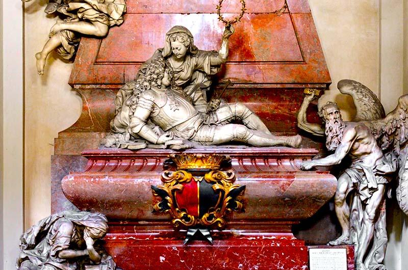 Надгробие графа, которого, якобы, похоронили заживо.