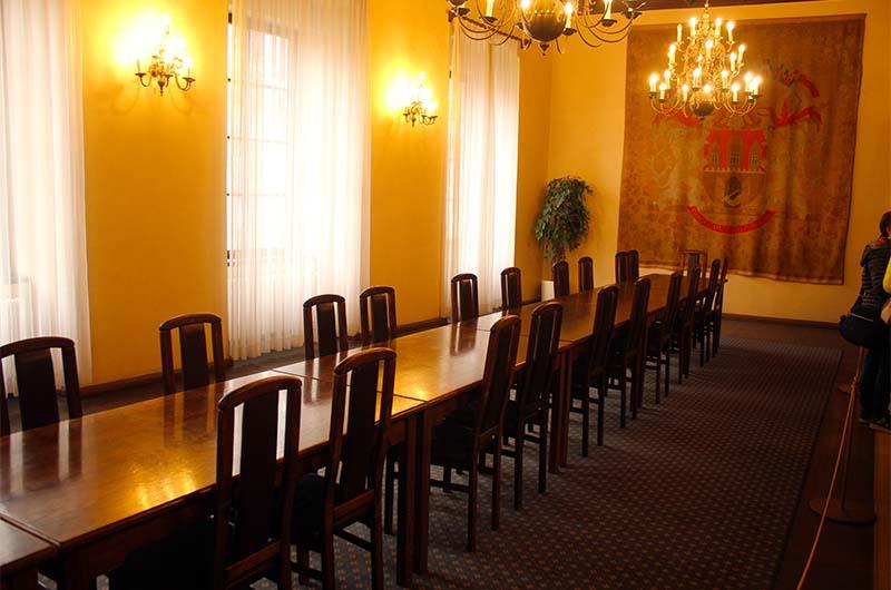 Муниципальный зал.